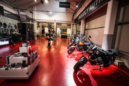 03-moto-guzzi-interno moto