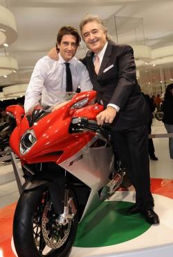 Da sinistra: Giovanni e Claudio Castiglioni con una MV F1