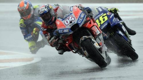 Dovizioso precede Rossi e Rins: momento chiave della gara di Valencia 2018