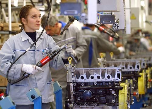Una fase di produzione di un motore a scoppio tradizionale