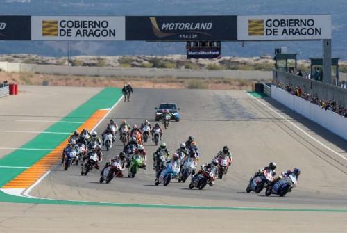 La partenza della gara di Aragon del trofeo
