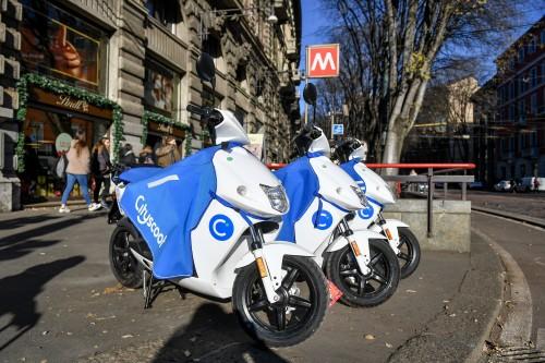 Scooter sharing: la concorrenza a Milano arriva nel 2018 (Foto LaPresse)