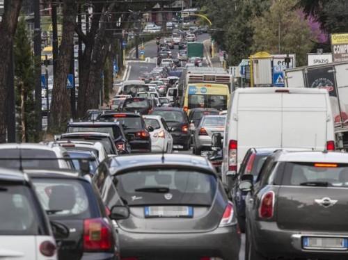 Mattinata di traffico a Roma