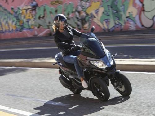 Il nuovo scooter a tre ruote MP3 Piaggio