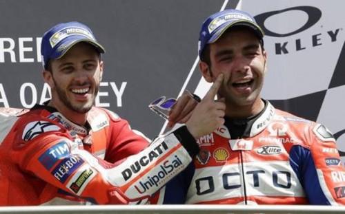 Andrea Dovizioso (a sinistra) e Danio Petrucci: nache la coppia Ducati si è sfasciata durante il lockdown. Per Dovi difficile rinnovo del contratto in Ducati