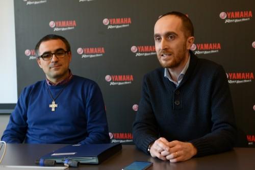 Da sinistra: don Elio Cesari, direttore delle Scuole Salesiane di Sesto con il professor Francesco Cristinelli il giorno della presentazione dell'accordo con Yamaha (Foto Enrico Mascheroni)