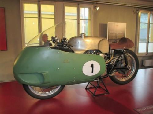 La storica Moto Guzzi 8 cilindri icona della tecnologia italiana