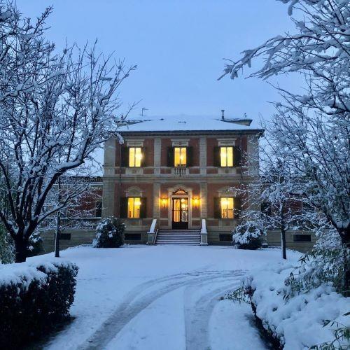 Un'immagine invernale di Villa Odero sede dell'azienda Frecciarossa a Casteggio (PV)