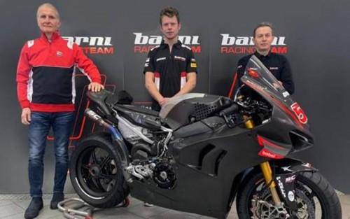 Da sinistra Paolo Ciabatti, Tito Rabat e Marco Barnabò Team principal Barni