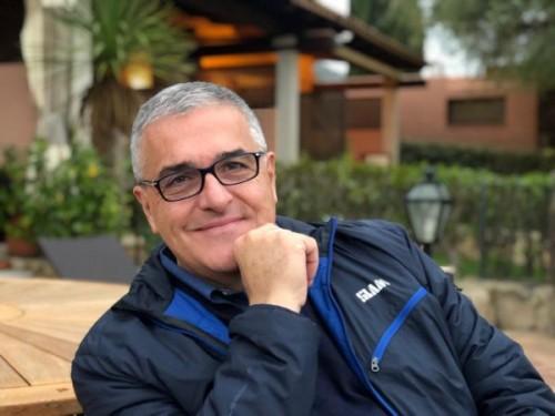 professor Giorgio Pajardi, 62 anni, direttore dell'Unità operativa complessa universitaria di Chirurgia della Mano
