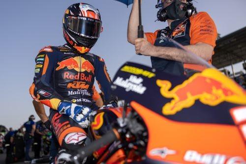 Pedro Acosta,_Red Bull KTM Ajo, in griglia a Losail dove vincerà il GP