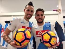 Capitan Hamsik e Mertens hanno firmato le due triplette che aggiunte al gol di Insigne hanno demolito il Bologna al Dall'Ara