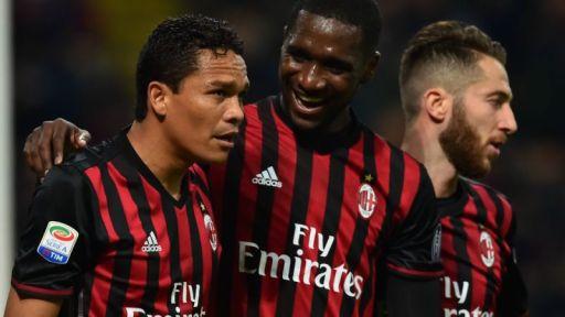 Milan-Chievo 3-1 / Bacca, Zapata e Lapadula festeggiano: passo avanti rossonero