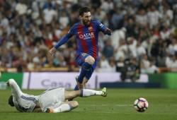 Messi bacia la maglia azulgrana: il re è tornato