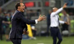 Juventus' coach Massimiliano Allegri reacts during the Italian Serie A soccer match FC Inter vs Juventus Fc at the Giuseppe Meazza stadium in Milan, Italy, 28 April 2018. ANSA/MATTEO BAZZI