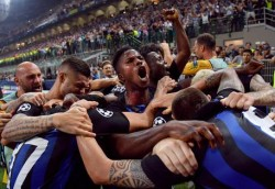 Inter Milan players celebrate the 2-1 goal during the UEFA Champions League group B soccer match between  Inter Milan and Tottenham Hotspur at the Giuseppe Meazza stadium in Milan, Italy, 18 September 2018. ANSA/DANIEL DAL ZENNARO