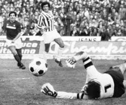 Comunale di Torino, 21 novembre 1982: Scirea protegge Zoff