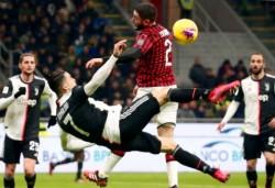 CR7 rovescia e il pallone colpisce Calabria