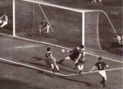 Il gol al Milan di Cudicini