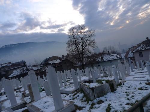 Uno dei cimiteri cittadini di Sarajevo (A.Geraci)