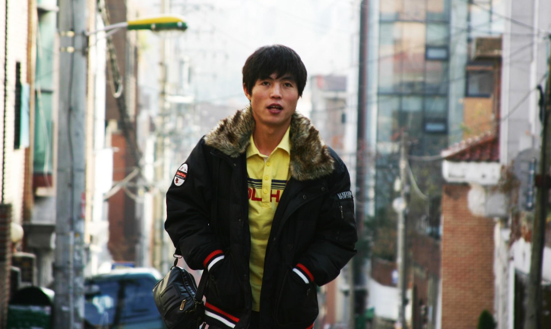 fcp shin walks in seoul