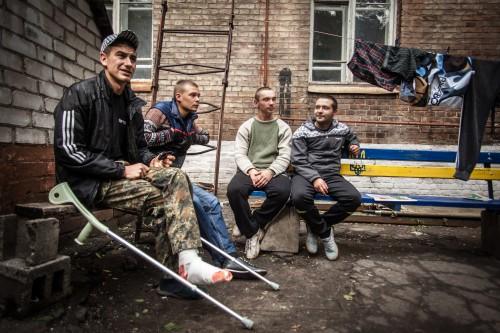 Alcuni soldati in attesa di essere dimessi all'ospedale militare di Dnipropetrovsk, Ucraina (Marcello Fauci)