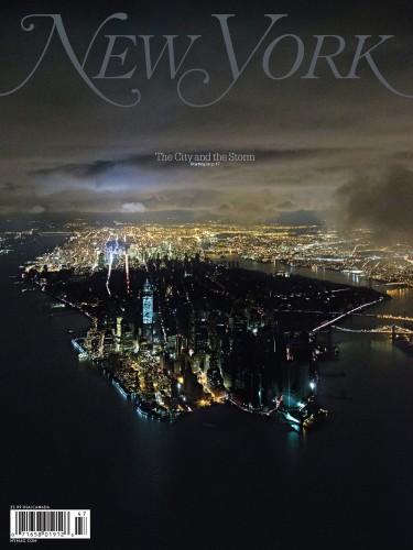La copertina del New York Magazine su Sandy, con Manhttan illuminata a metà
