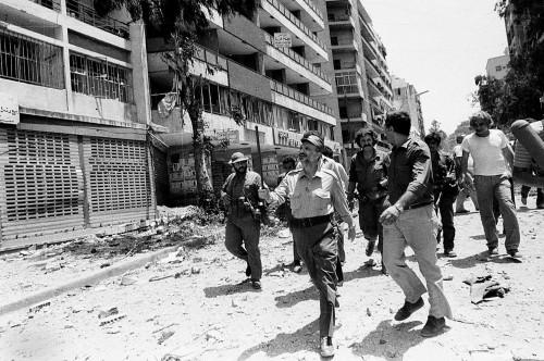 Arafat a Beirut il 2 agosto 1982  (AP Photo/Mourad Raouf)