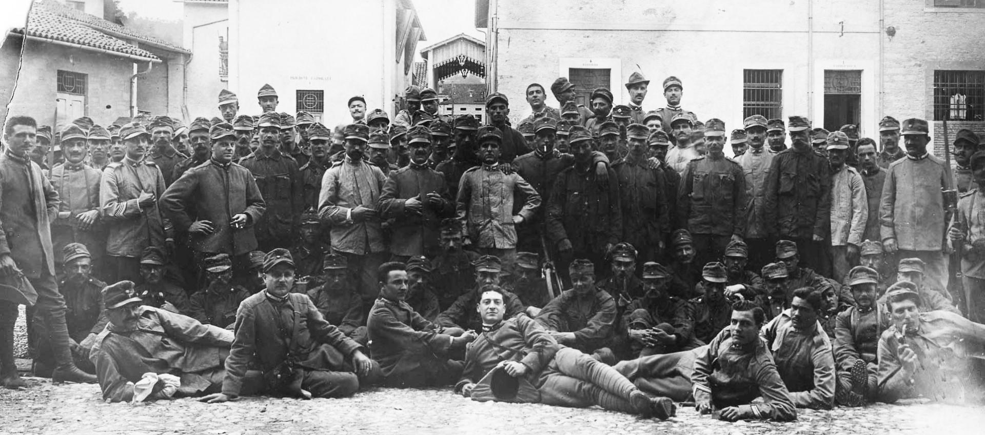 Soldati italiani e austriaci Archivio RCS