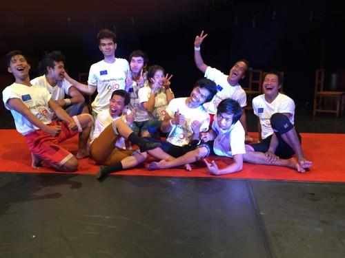 I mimi-acrobati del Circo Phare di Siem Reap
