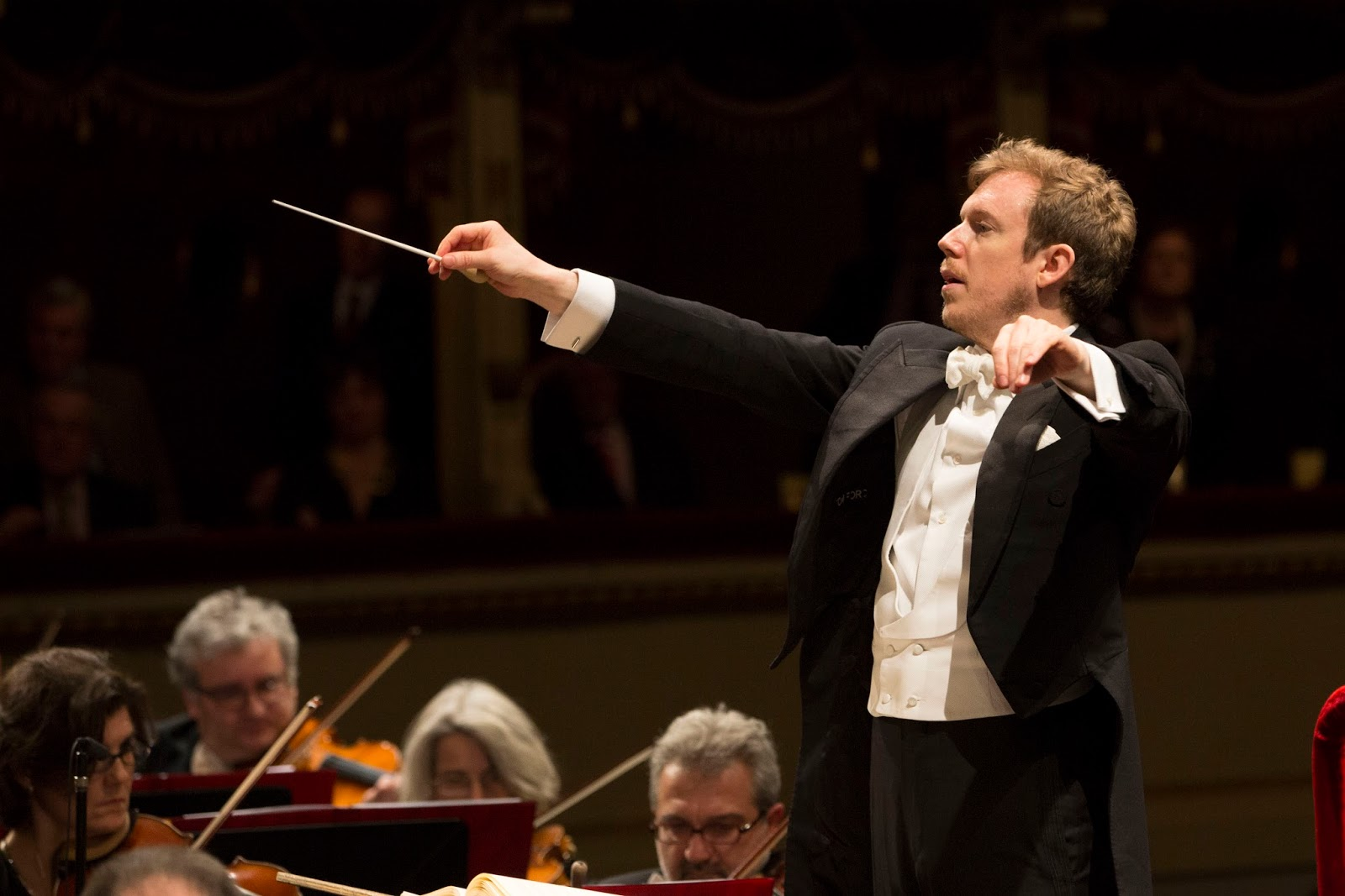 Daniel Harding sul podio della Filarmonica