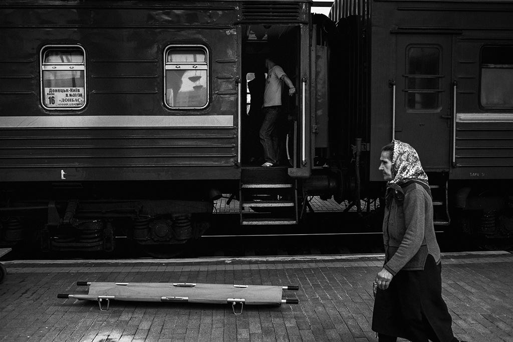 Ucraina, in terza classe verso il confine russo   Corriere.it