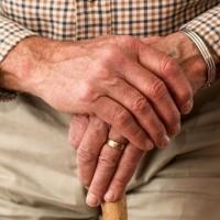 hands-981400_960_720-632x421