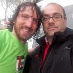 Il selfie: Mauro Bergamasco con un fan irriducibile