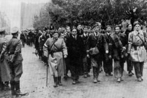 Patrioti polacchi dopo la resa (da Wikipedia)