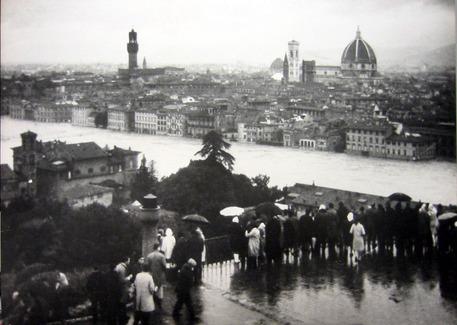 Firenze fotografata durante l'alluvione del novembre 1966. ANSA