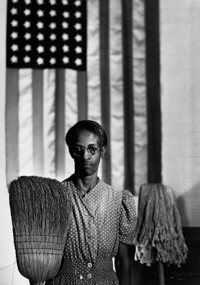 1.-Gordon-Parks-American-Gothic-Ella-Watson-Washington-D.C.-1942