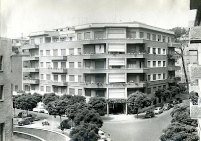 Il palazzo dell'omicidio, ni via Monaci