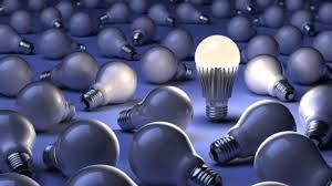 Un'immagine tratta dal sito Small Footprint Family per sensibilizzare i consumatori sull'uso delle lampade a led, meno dannose per l'ambiente