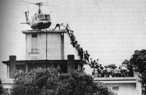 La disperata evacuazione da Saigon (da Wikimedia)
