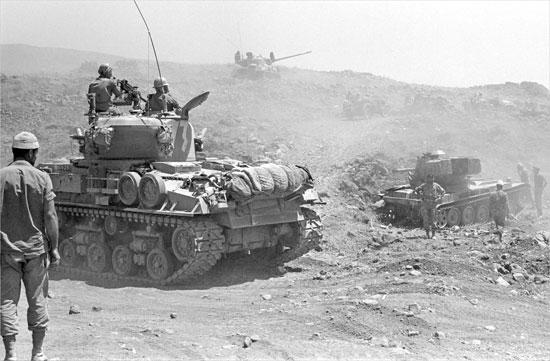 Un carro armato israeliano durante la guerra dei sei giorni (foto Encyclopedia Britannica)