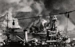 La flotta francese sotto il fuoco (da Historum.com)