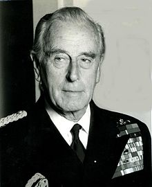 Laord Louis Mountbatten in una foto del 1977 (da Wikipedia)