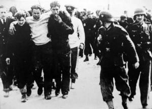 Prigionieri inglesi dopo il raid (fonte MHN)