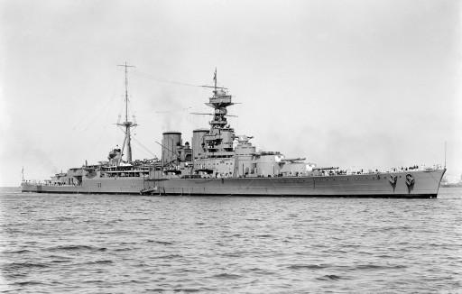 L'incrociatore da battaglia Hood, orgoglio della Royal Navy tra le due guerre mondiali (da Wikimedia)