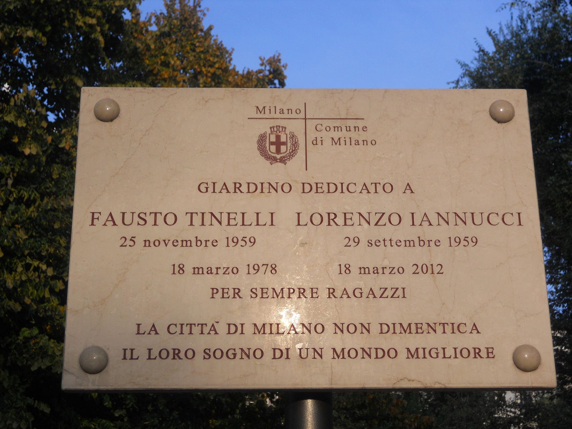 Piazza_Fausto_e_Iaio