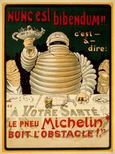 """Per milioni di viaggiatori di tutto il mondo è da sempre il fedele compagno di avventure: compie 120 anni l'Omino della Michelin, nato nel 1898 a seguito di un'idea del fondatore del gruppo, Édouard Michelin, che nel 1894, all'Esposizione Universale e Coloniale di Lione, dichiarò, vedendo una pila di pneumatici disposti artisticamente, """"Guarda, con un paio di braccia in più sembrerebbe un omino!"""". ANSA/US MICHELIN +++ ANSA PROVIDES ACCESS TO THIS HANDOUT PHOTO TO BE USED SOLELY TO ILLUSTRATE NEWS REPORTING OR COMMENTARY ON THE FACTS OR EVENTS DEPICTED IN THIS IMAGE; NO ARCHIVING; NO LICENSING +++"""
