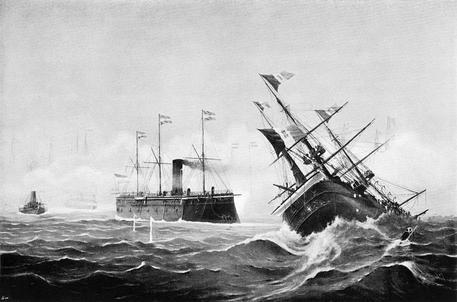 Una litografia del 1908 dell'artista austriaco Kappler rappresenta l'affondamento della nave Nave Re d'Italia da parte del vascello austriaco Erzherzog Ferdinand Max, durante la battaglia di Lissa del 1866. Una cassaforte che potrebbe contenere un tesoro da decine di milioni di euro è stata rinvenuta da un gruppo si sommozzatori nel relitto della nave ammiraglia Re d'Italia, affondata nell'Adriatico nel 1866 nella celebre battaglia navale di Lissa (Vis in croato) causando la morte di quasi 400 marinai italiani. Ad annunciare la scoperta è stato, parlando con i media croati, Lorenzo Marovic, il leader della squadra di esploratori e cacciatori di tesori sommersi. ANSA / WIKIPEDIA +++ EDITORIAL USE ONLY +++ NO SALES +++
