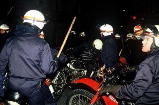 I volteggiatori durante una manifestazione del 1986