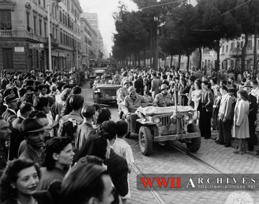 L'ingresso degli Alleati a Roma (WW2 Archives)